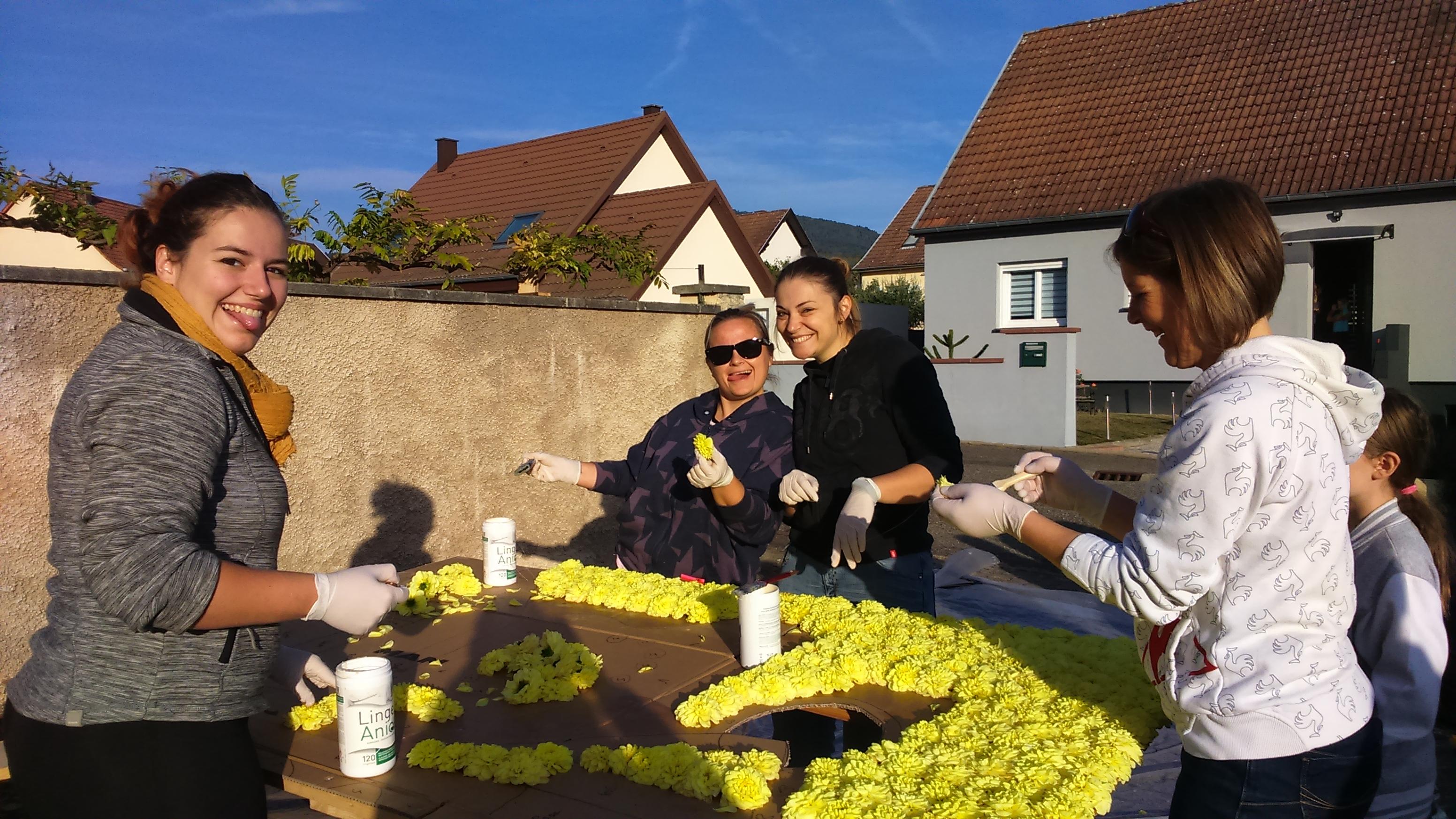 Fete des vendanges Barr - 2018 - préparation du panneau fleuri